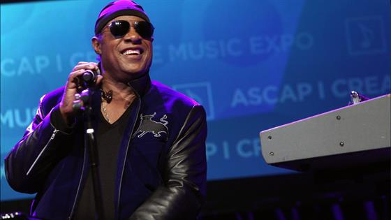 Stevie Wonder Quietly Marries Longtime Girlfriend