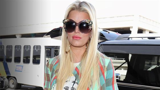 Jessica Simpson's Expensive Airport Outfit
