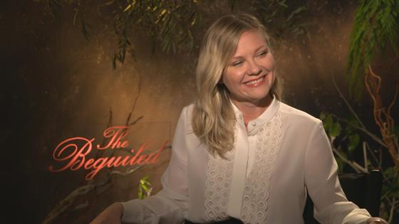Kirsten Dunst Takes the E!Q in 42