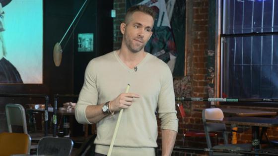 Play Video - Ryan Reynolds' Butt Double in Deadpool