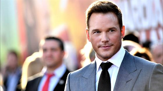 Why Chris Pratt Refuses to Take Pics With Fans
