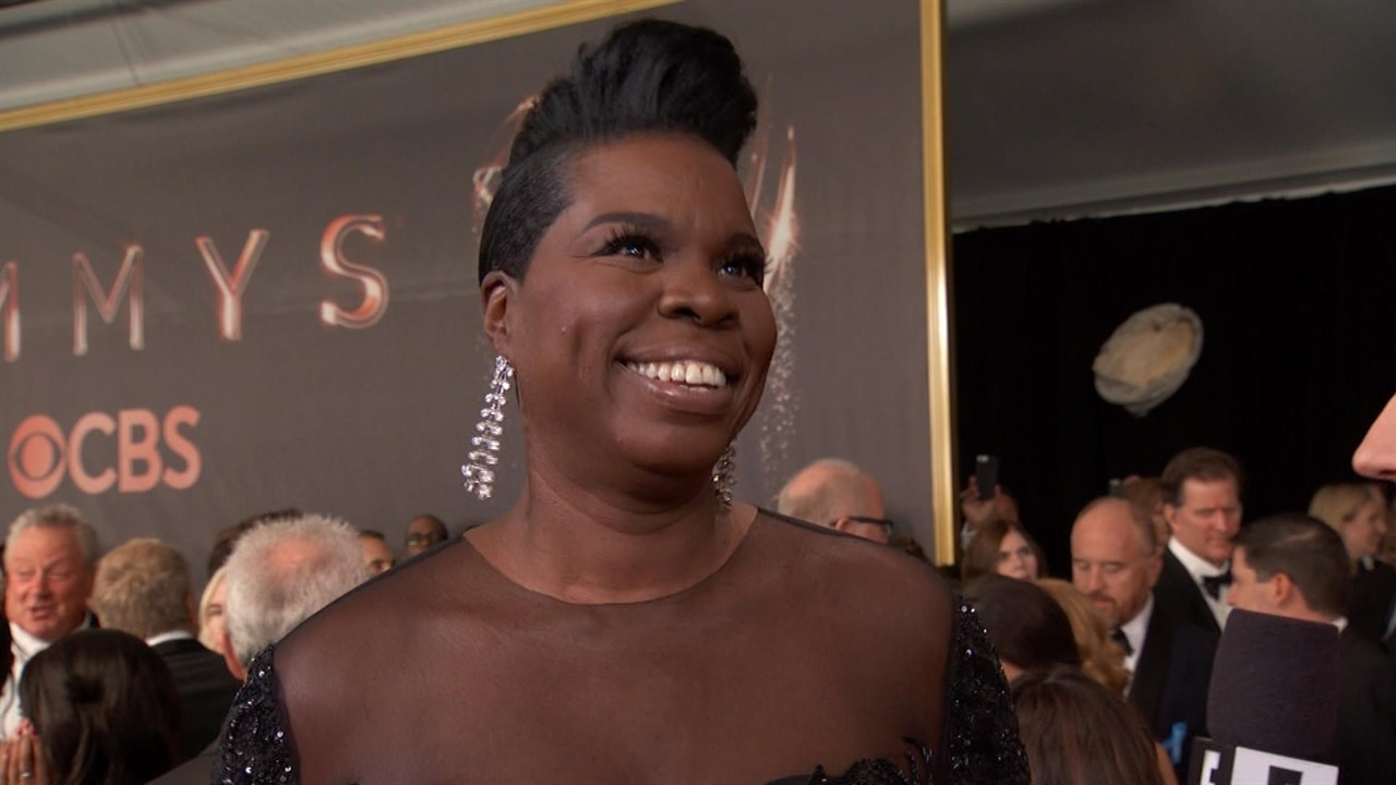 Leslie Jones Reacts To Being Emmy Nominated Against Kate Mckinnon After Screaming For Her Win Last Year E News