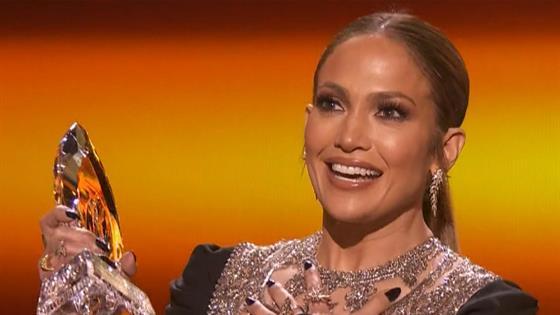 Jennifer Lopez's Big Win at People's Choice Awards 2017