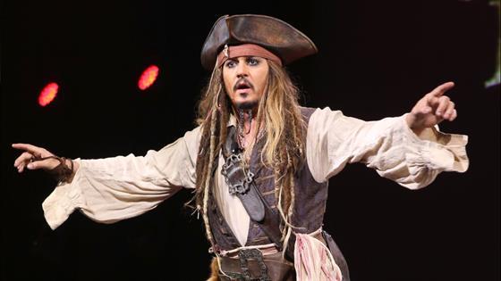 Depp Surprises Disneyland Visitors