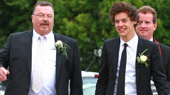 1D Supports Harry Styles After Stepfather's Death
