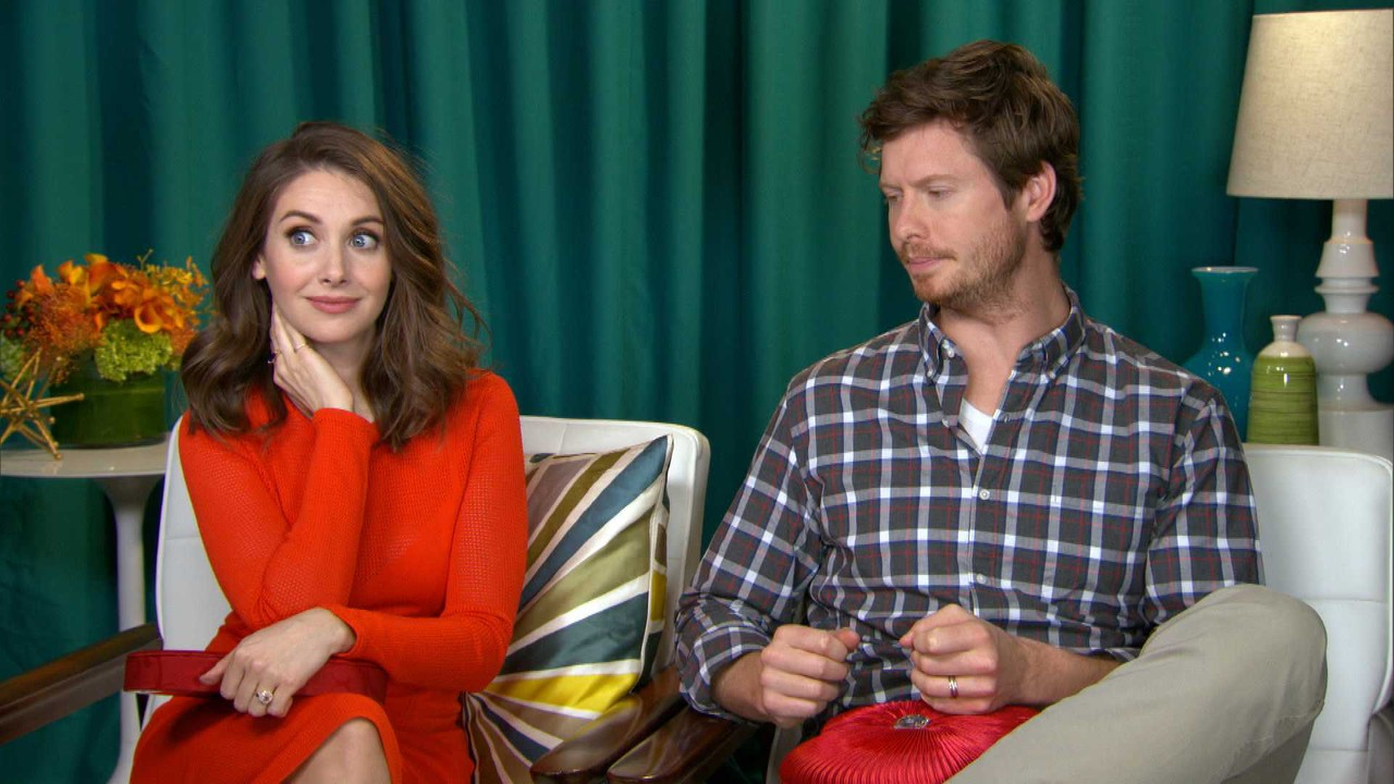 Alison Brie Gushes Over Fianc� Dave Franco, Talks Dildos With How To Be  Single Costar  E! News