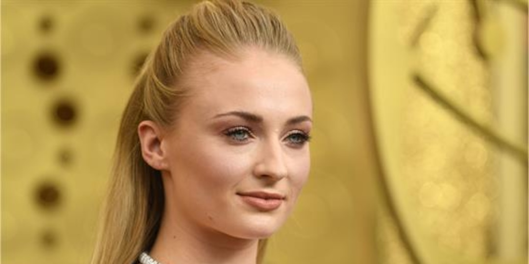 Sophie Turner Slams Paps for Photographing Daughter Without Consent - E! Online.jpg