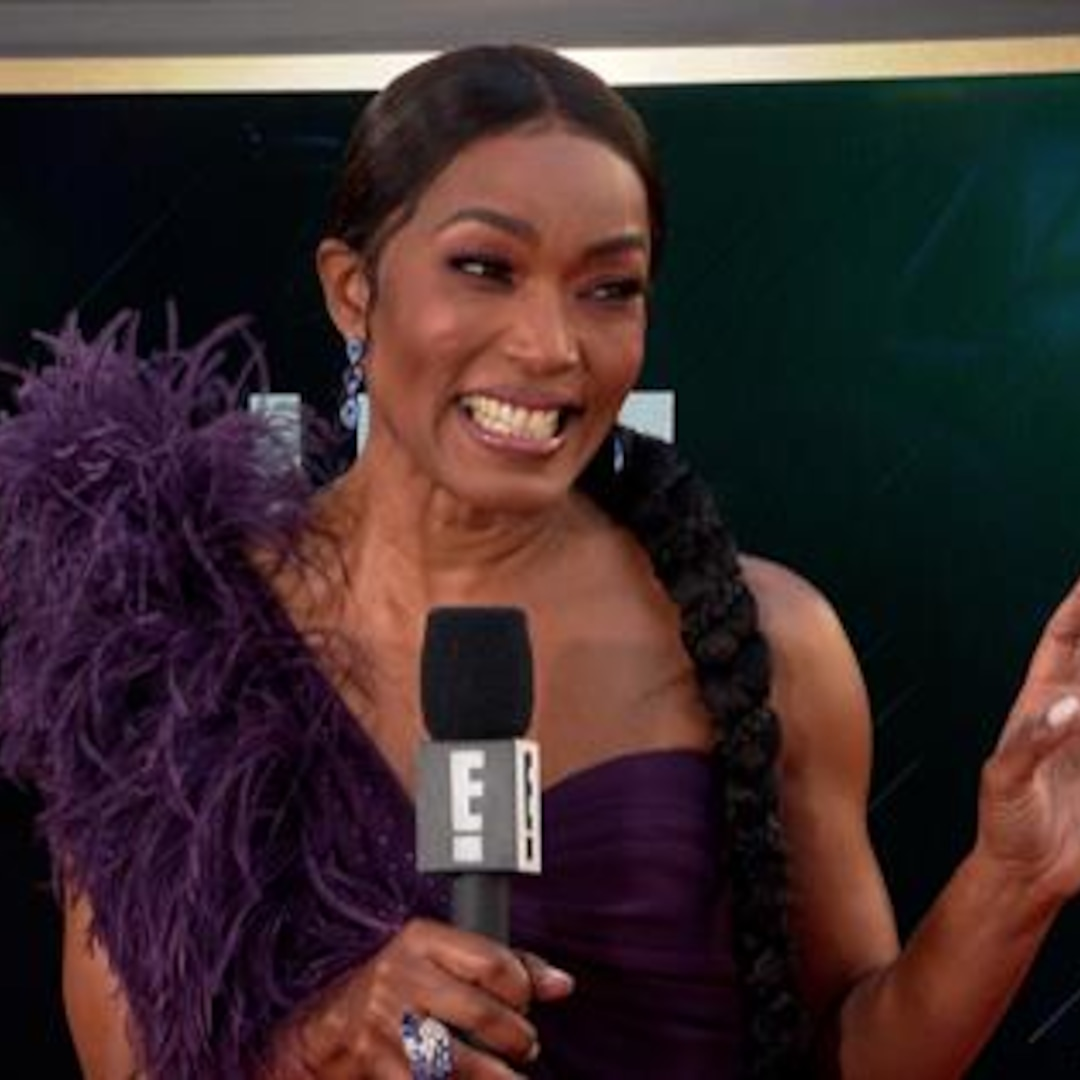 Angela Bassett Remembers Chadwick Boseman at 2021 Globes