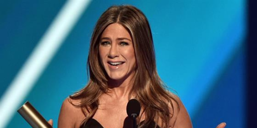 "Jennifer Aniston's ""Friends"" Vocal Habit Has Fans Shook! - E! Online.jpg"