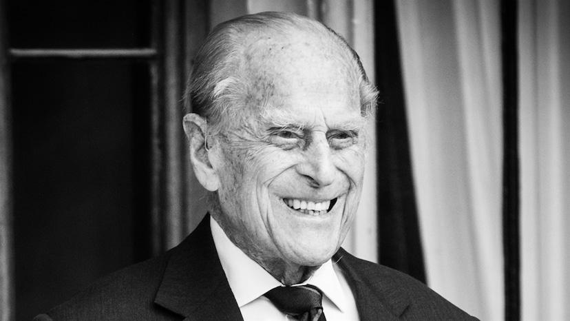 Mira hacia atrás a la historia de amor de la reina Isabel II y el príncipe Felipe: ¡E!  En línea