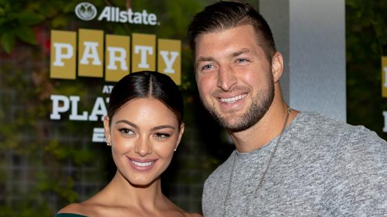 Tim Tebow Is Engaged To Miss Universe 2017 Demi Leigh Nel Peters E