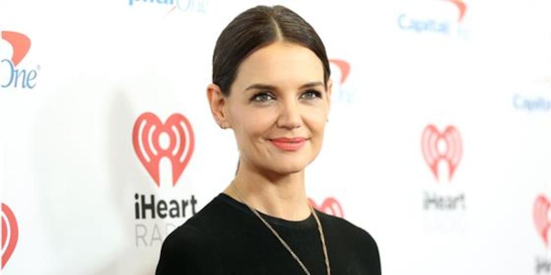 "Katie Holmes Isn't Making Dating A ""Huge Priority"" - E! Online.jpg"