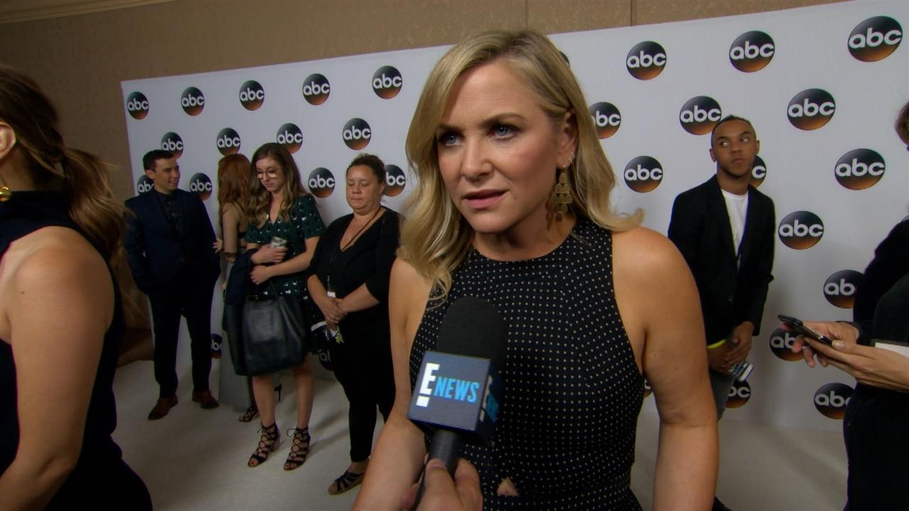 Jessica Capshaw Weighs In On Grey S Anatomy Season 14 E