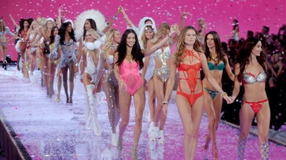 Valentina Sampaio, la primera modelo abiertamente trans de Victoria's Secret