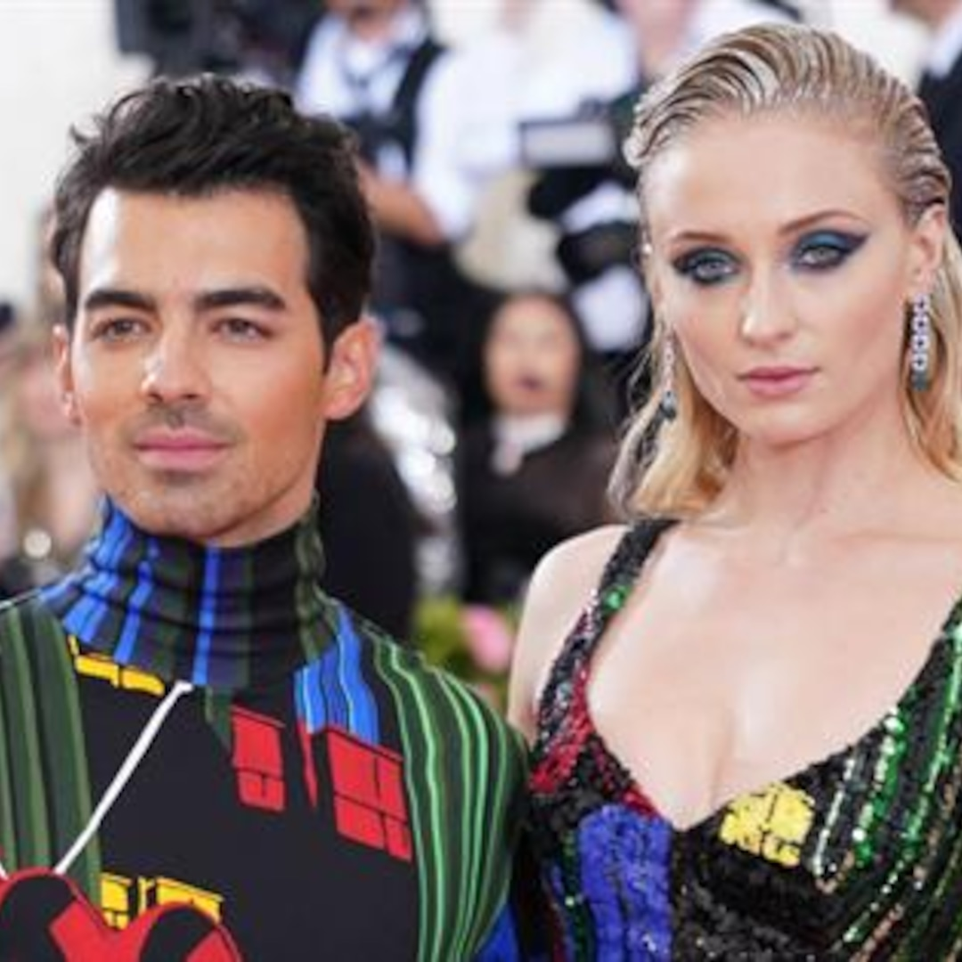 Joe Jonas' Perfect Response to Sophie Turner's Sexy Selfies