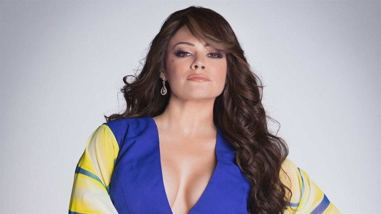 Angelica Celaya En Bikini angelica celaya talks transforming into jenni rivera | e! news