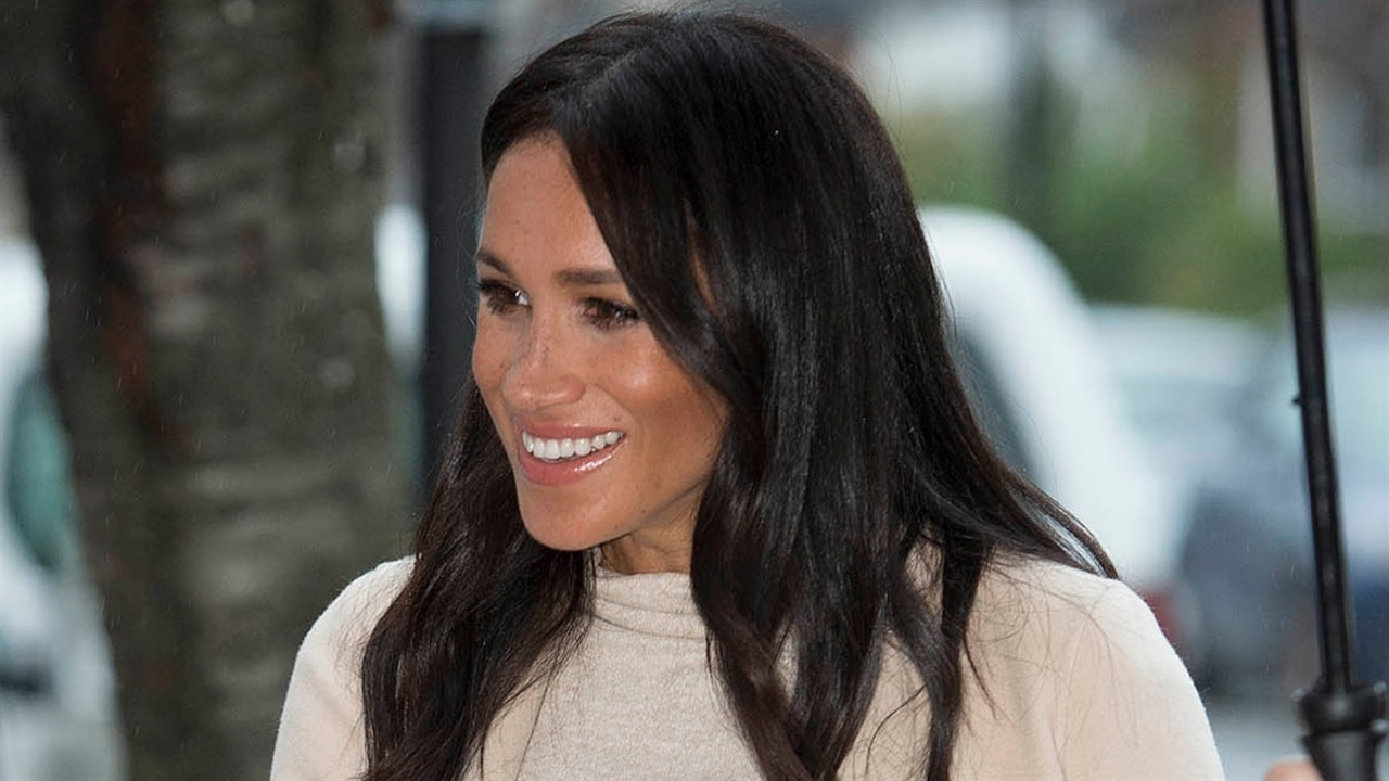 Meghan Markle Gets Called A Fat Lady--And Loves It  E -6588