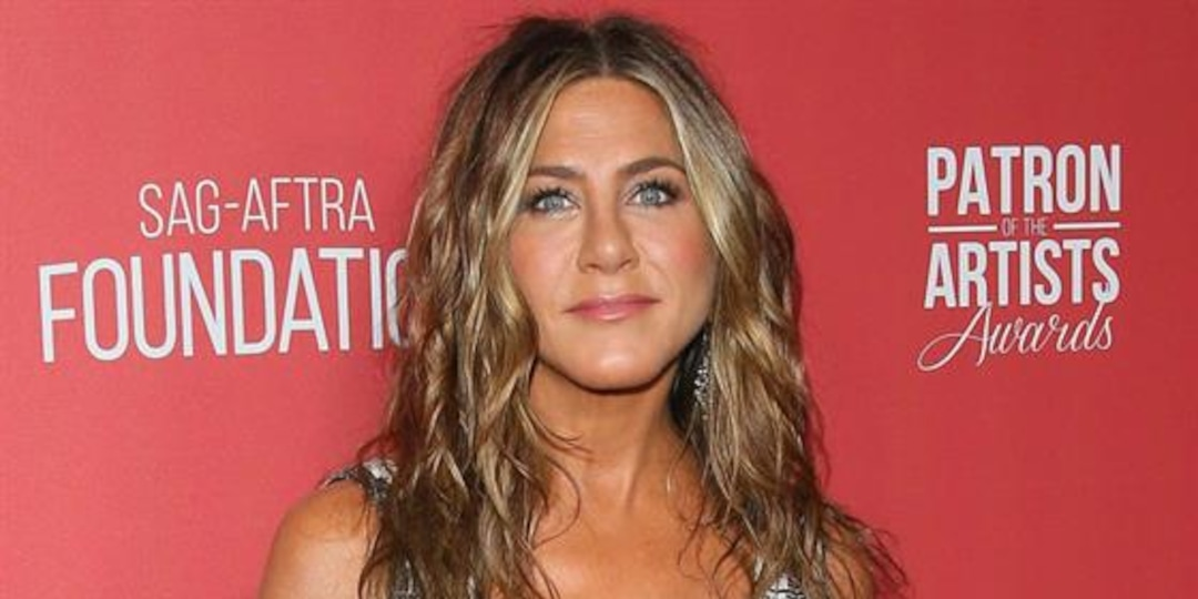 Jennifer Aniston Cuts Ties With Unvaccinated People - E! Online.jpg