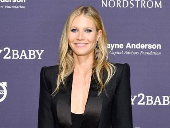 Gwyneth Paltrow Embarrasses Apple With Unapproved Selfie