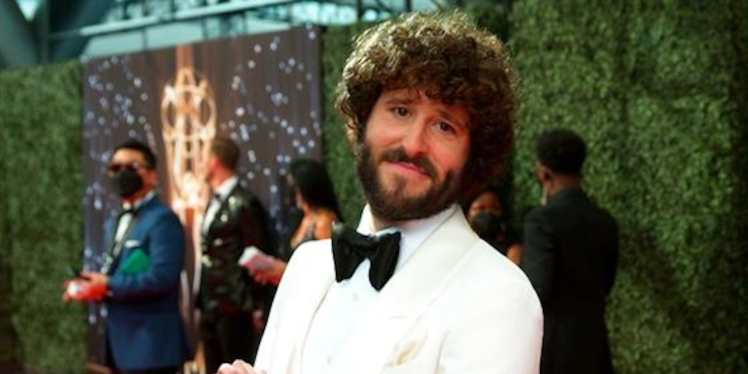 Lil Dicky GLAMBOT: Behind the Scenes - E! Online.jpg
