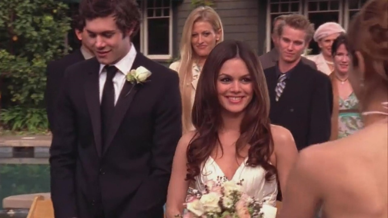 Today's the Day: The O.C. Finale Turns 10 | E! News Adam Brody And Rachel Bilson 2017