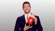 风暴最红的地毯看2019年的MTV电影和电视奖 -  E!新闻 -wochit_20190612_btnmtvmovieawards_290458_560x315_1536446531789