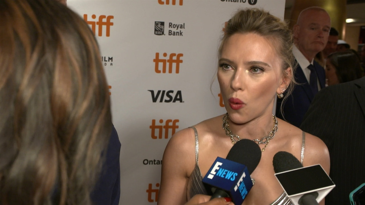 """PCAs Nominee Scarlett Johansson Says Fans Are the """"Magic Stuff"""" That Bring Joy to Her Job"""