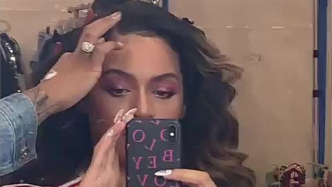 Astonishing Beyonce Debuts Dramatic New Hair Color During Date Night With Jay Schematic Wiring Diagrams Phreekkolirunnerswayorg
