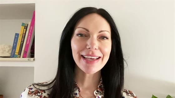 How Laura Prepon Stays Happy in Quarantine With Family - E! Online