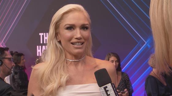 Gwen Stefani Makes a Big Fashion Statement at E! PCAs