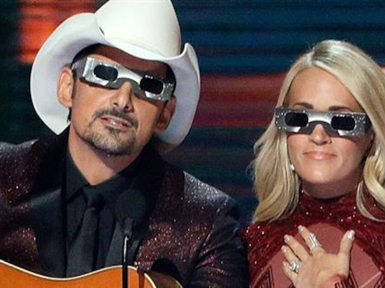 Carrie Underwood & Brad Paisley: Best Hosting Moments