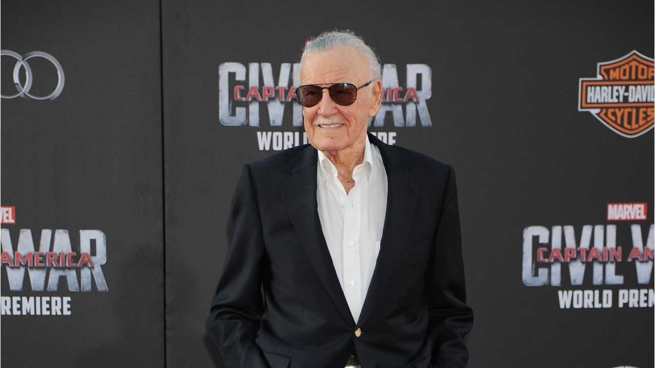 Stan Lee and Burt Reynolds Among Stars Honored in Oscars 2019 In Memoriam Tribute