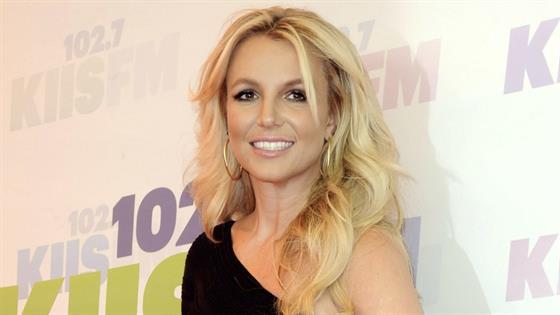 Britney Spears Checks Herself Into Mental Facility