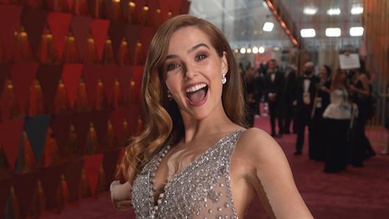 Zoey Deutch 2018 Oscars E Glambot