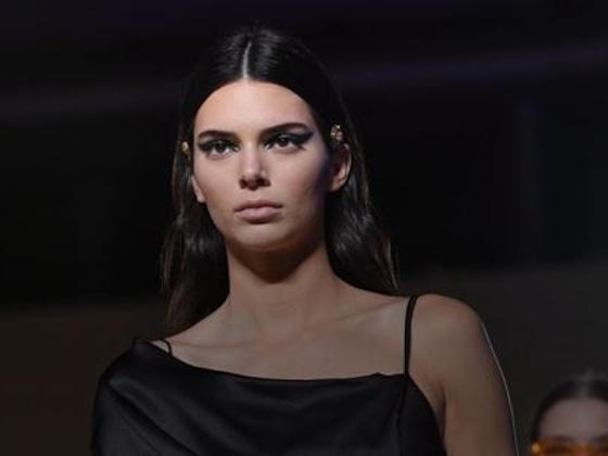 Vogue se manifesta sobre fotos controversas de Kendall Jenner