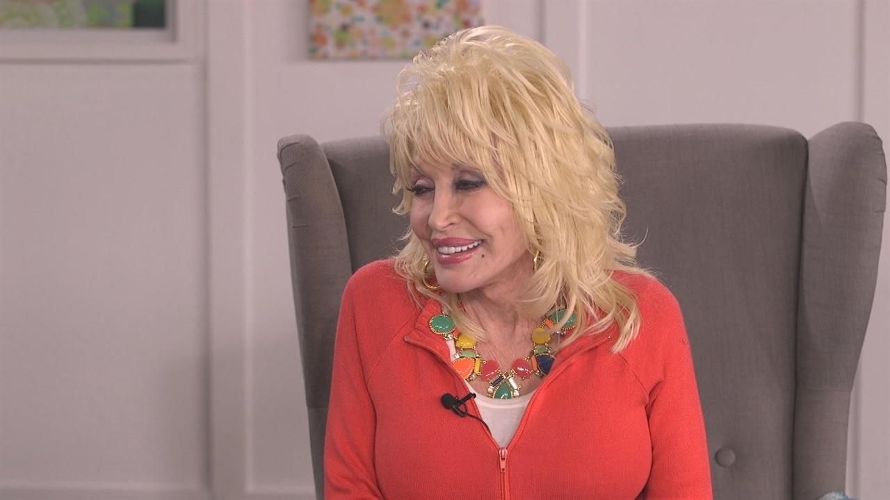 Dolly Parton Gives Scoop On Jennifer Aniston Movie Collabo E News