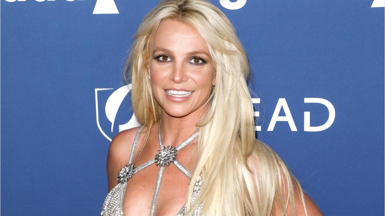 Britney Spears Shows Off Salsa Dance Moves | E! News Australia