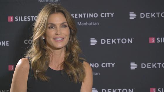 Cindy Crawford Recalls Daughter S Runway Debut