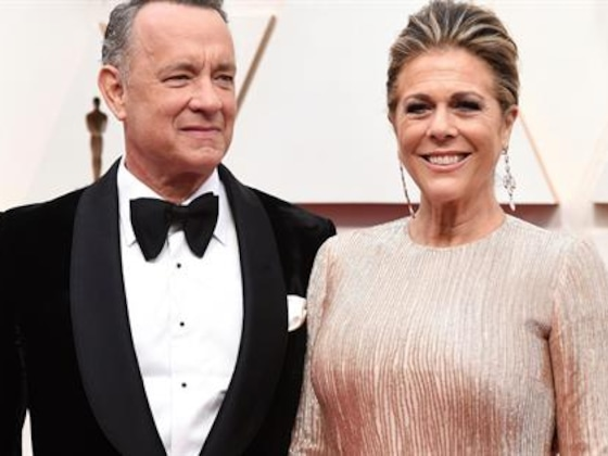 Tom Hanks & Rita Wilson Return to U.S. After COVID-19 Diagnosis