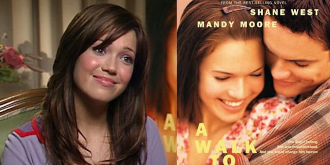 """""""A Walk to Remember"""" Throwback With Mandy Moore: E! News Rewind - E! Online.jpg"""