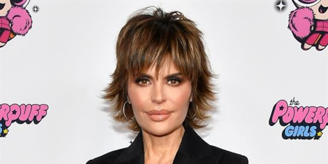 """Lisa Rinna """"Tried Hard"""" to Support Amelia Dating Scott Disick - E! Online.jpg"""