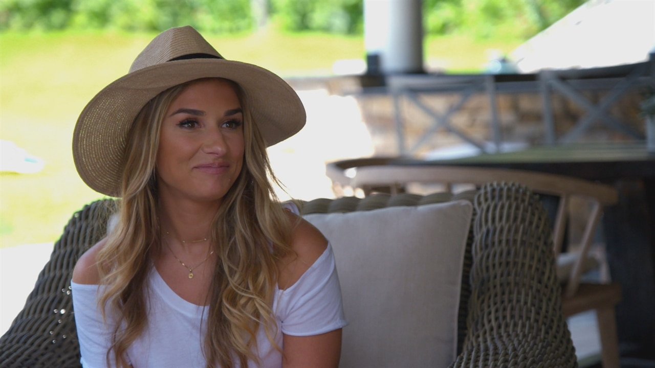 jessie james decker caught lying to her sisters face e