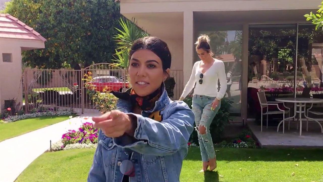 Kardashian Sisters Visit Their Grandparents Old House  E -7713