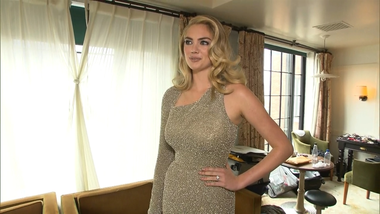 Kate Upton Shows Off Her Engagement Ring E News