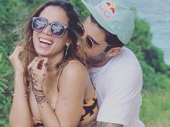 Anitta admite ter senha do celular de Pedro Scooby
