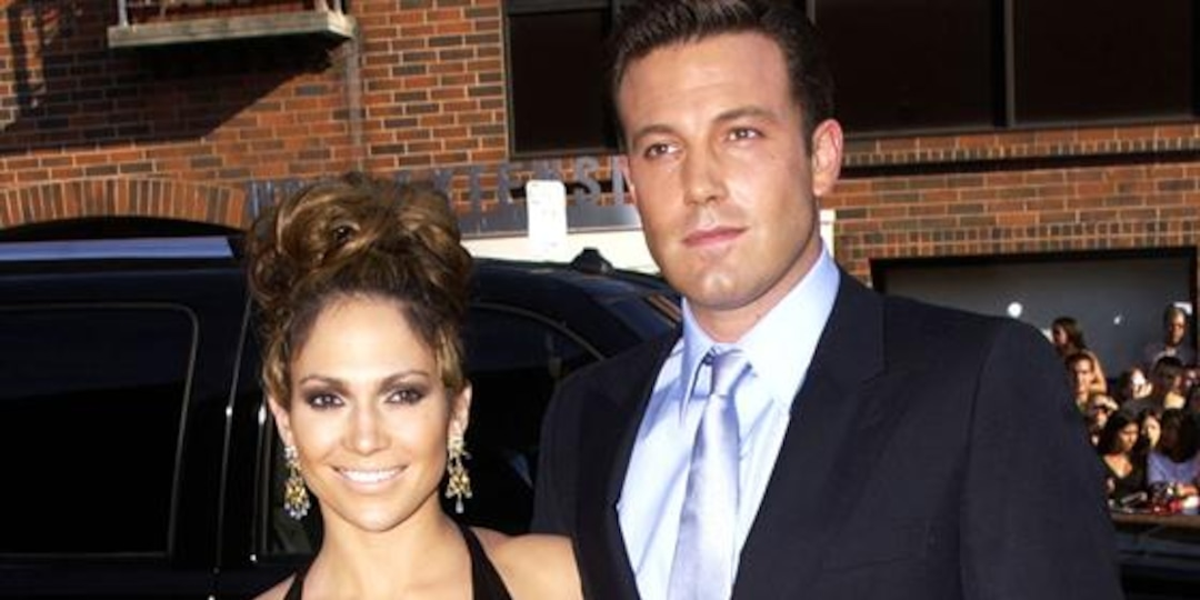 Jennifer Lopez & Ben Affleck Spotted Vacationing Together - E! Online.jpg