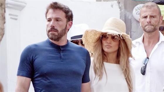 Ben Affleck Jennifer Lopez Pack on PDA in Italy - E! Online