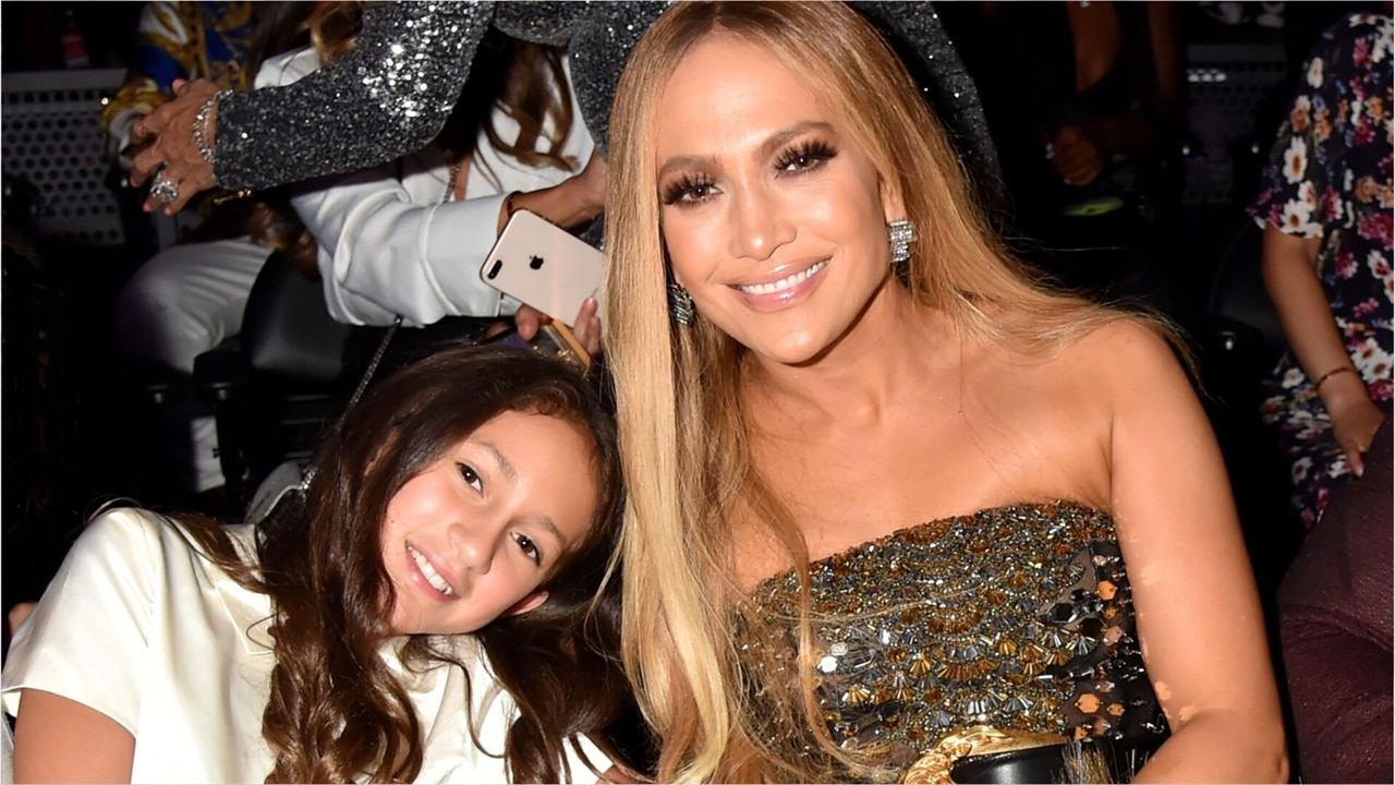 Jennifer Lopez Gives Carli Lloyd a Lap Dance on Stage to Celebrate World Cup Victory