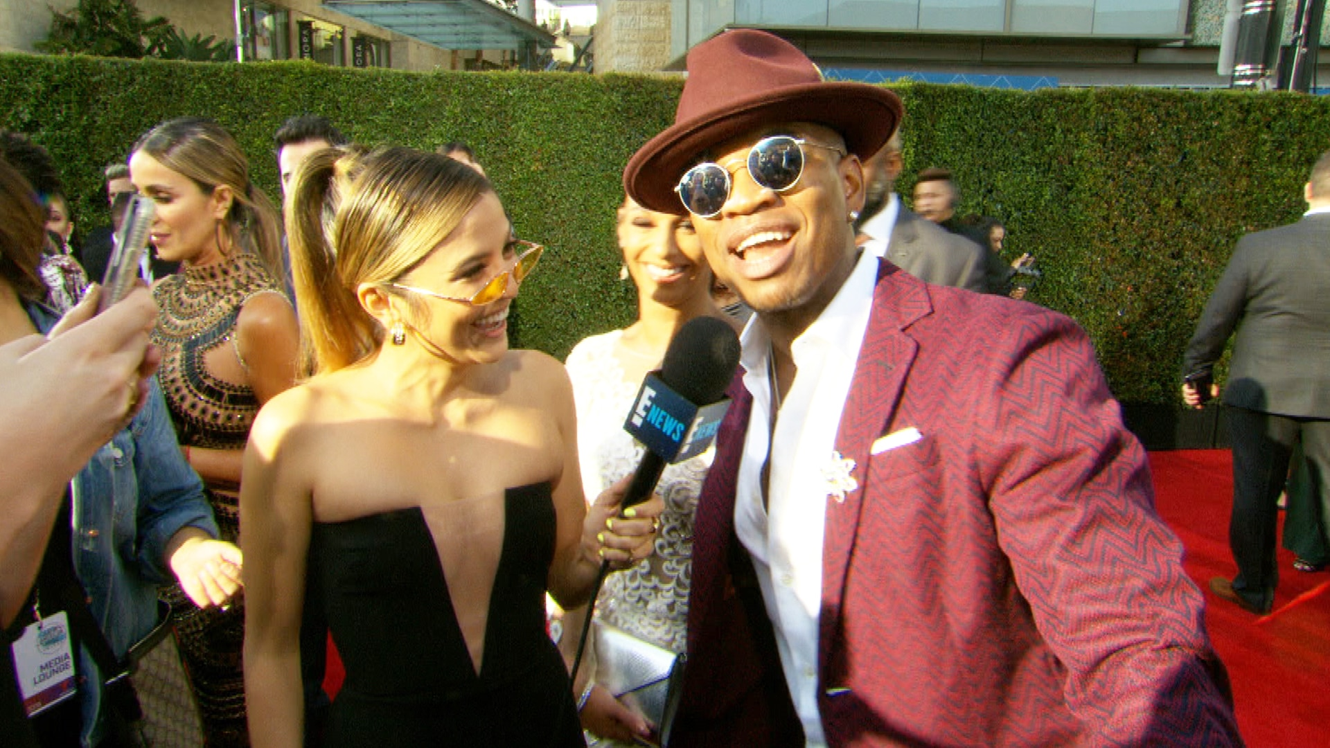 Is Ne-Yo Crashing Jennifer Lopez's Super Bowl 54 Performance?!