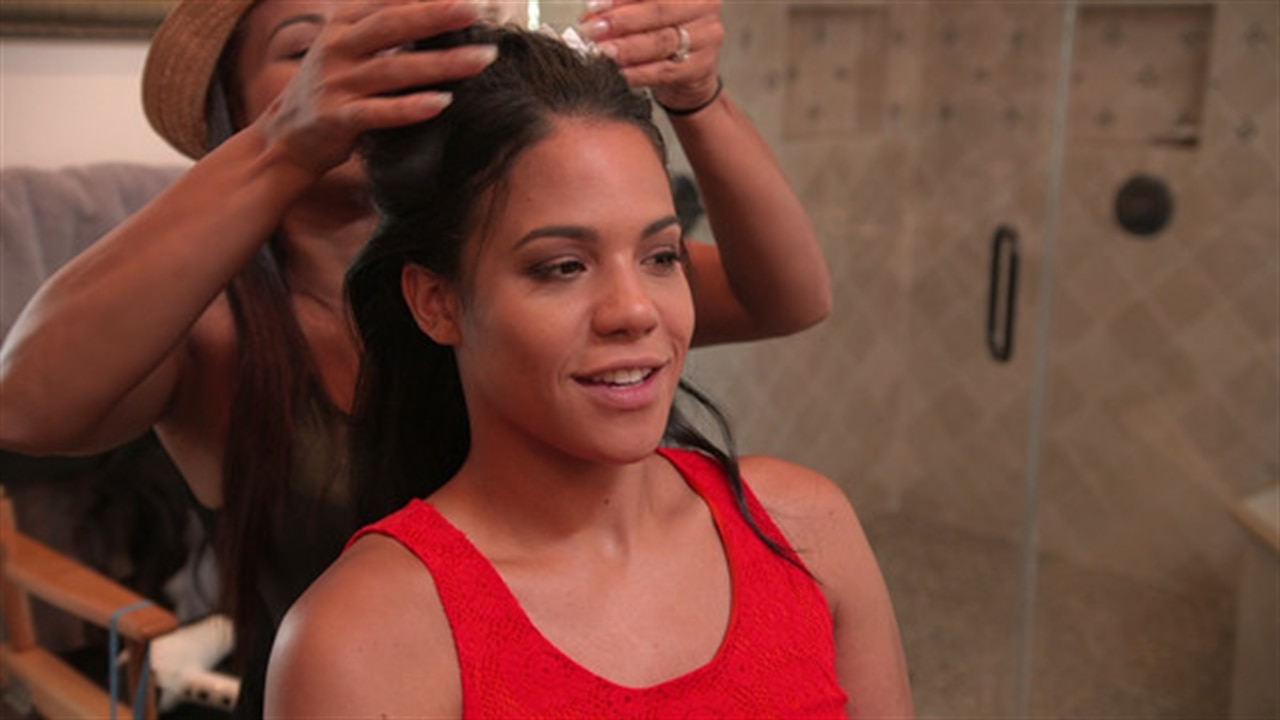 Lizzy Milian Gets Sexy Hair For Bf Dom  E News-9310